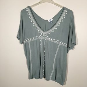 Old Navy Blouse with embroidery on front  SZ XL